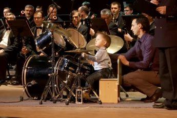 3х летний барабанщик