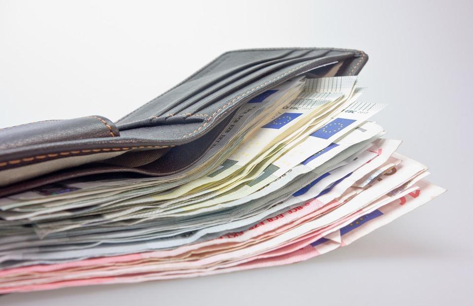 money-494163_960_720[1]