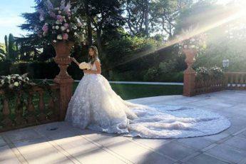 21-летняя студентка вышла замуж в платье за 20 миллионов рублей