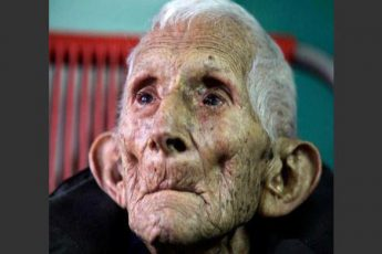 starik-umer-v-polnom-odinochest[1]