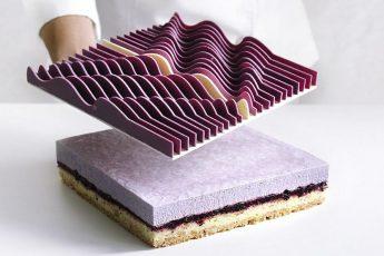 Эта девушка выпекает торты на 3Д принтере