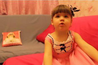 3-х летняя девочка рассказывает стихотворение Пушкина. Аплодирую стоя!