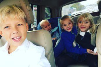 Жена актёра Андрея Мерзликина бросила ему вызов - оставив одного с 4 детьми