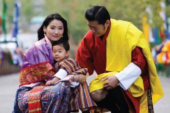 Как в Бутане появилась своя Кейт Миддлтон и чем отличается жизнь самой молодой в мире королевы
