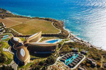 Как получилось, что лучшим отелем мира признали отель в Крыму?