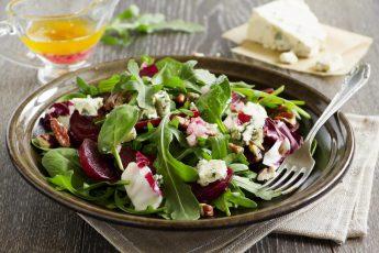 Как вкусно и необычно приготовить свеклу. 6 полезных салатов